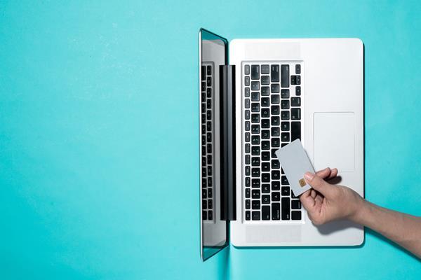 Płatność kartą przez internet – gdy kształtują to Europejczycy